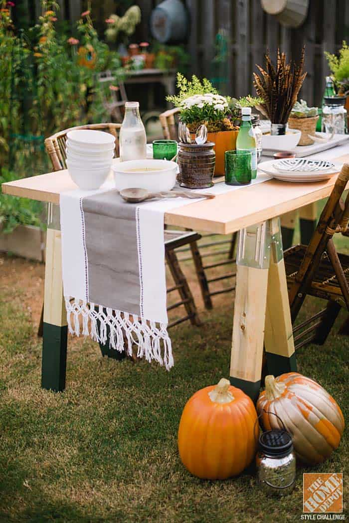 outdoor-sawhorse-table