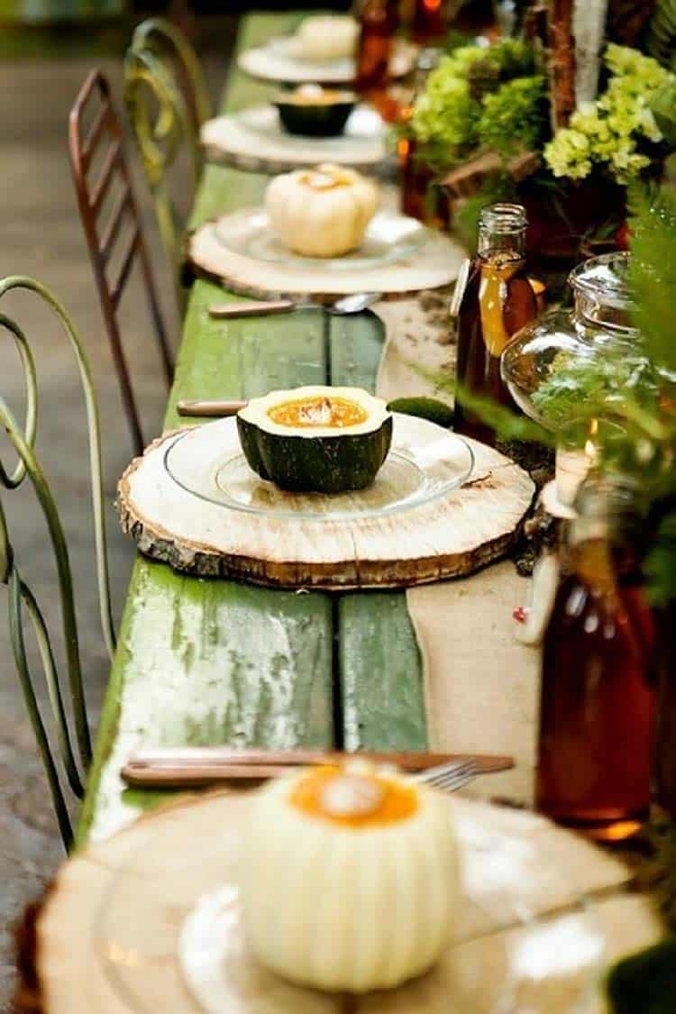 rustic-fall-decorated-outdoor-table