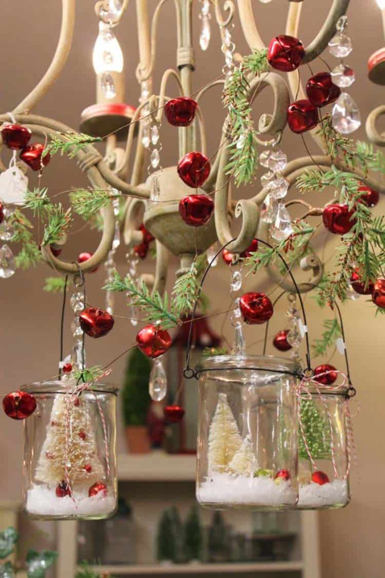 christmas-decorated-chandeliers
