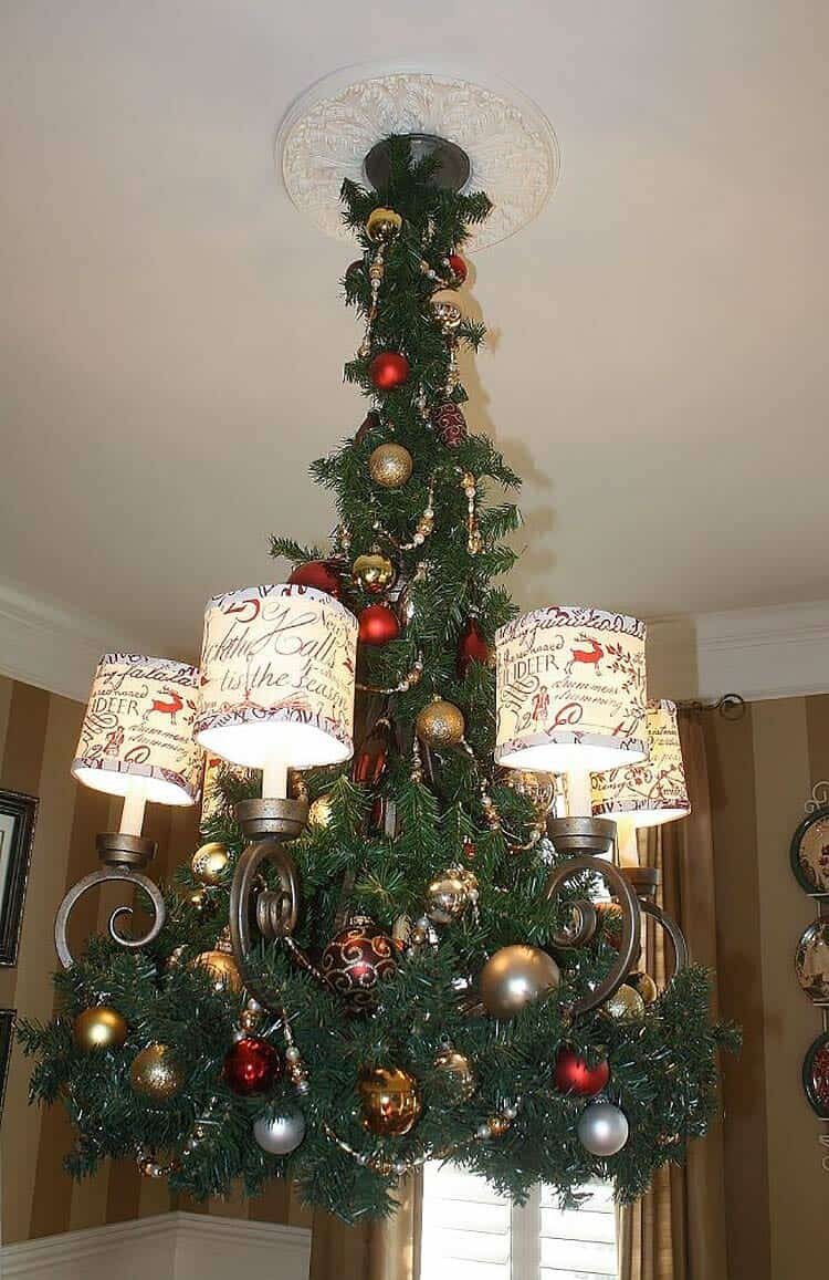 christmas-decorated-chandelier