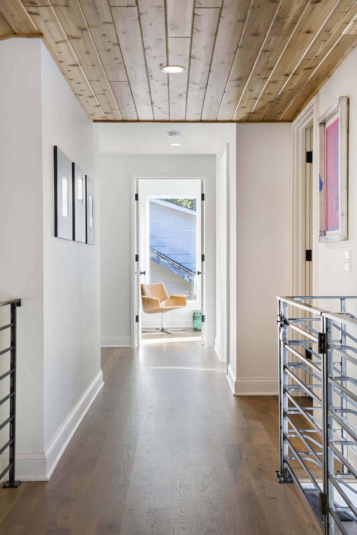 residence-modern-farmhouse-hall