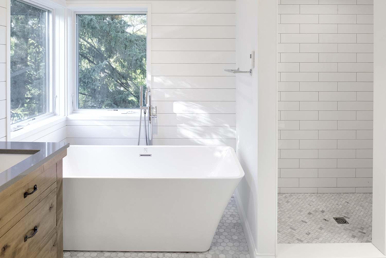 residence-modern-farmhouse-bathroom