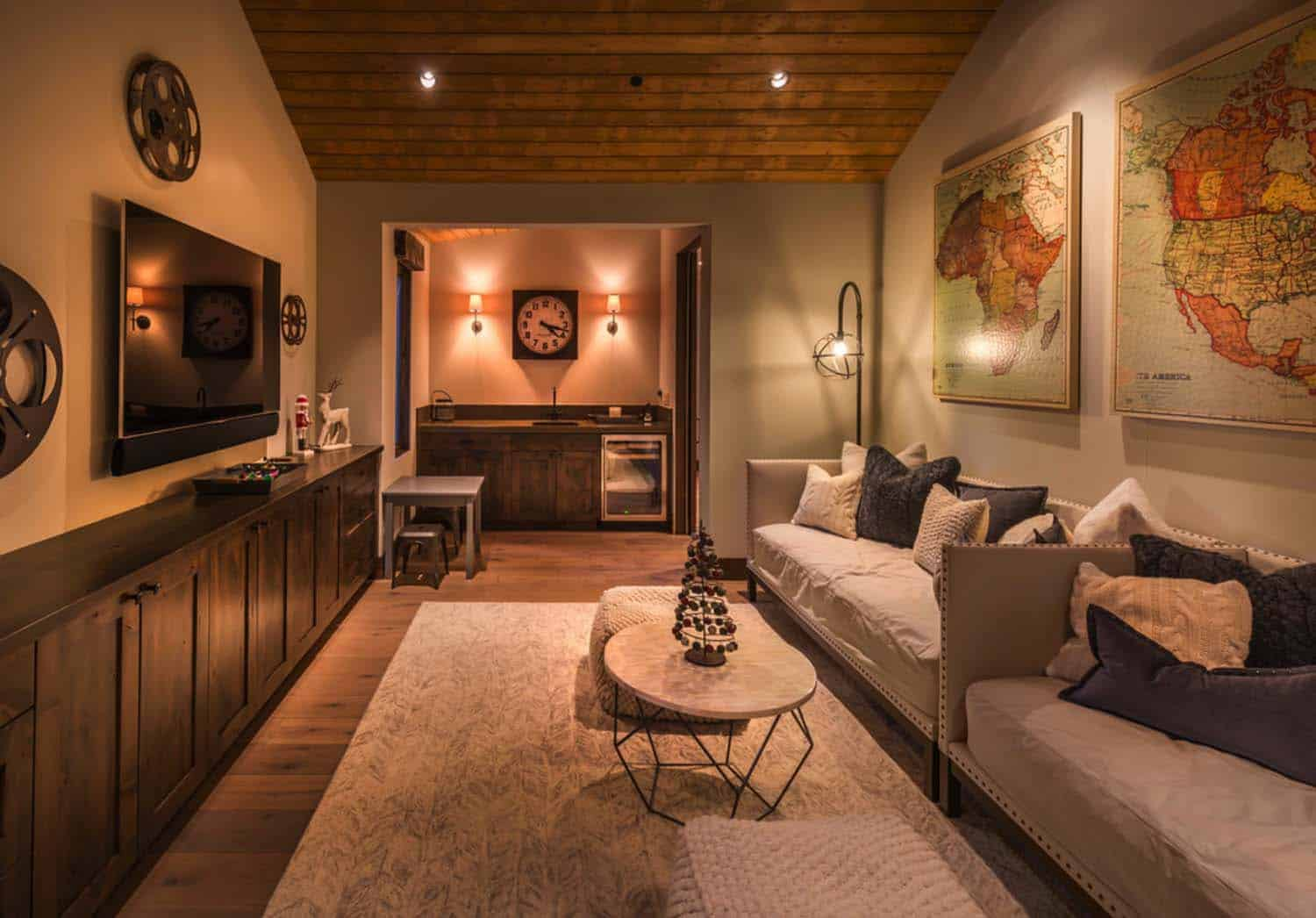 rustic-contemporary-family-room