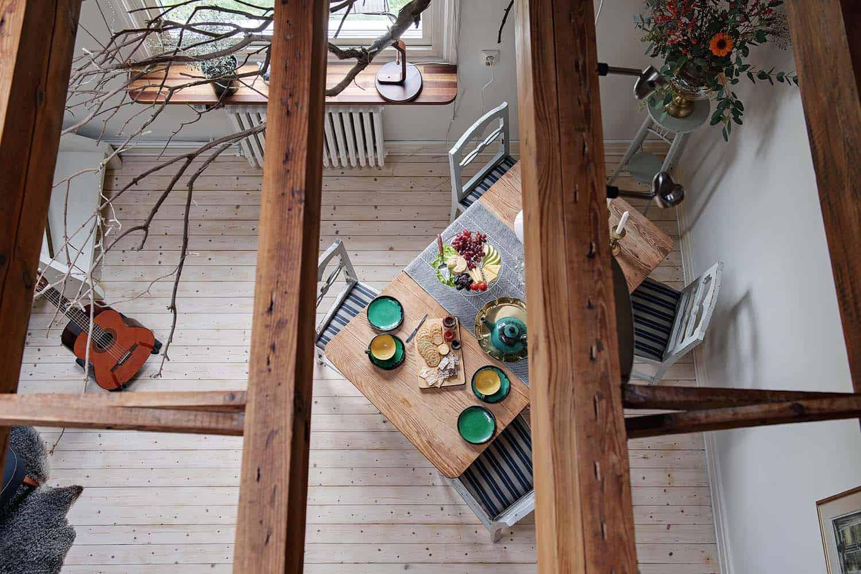small-apartment-interior-scandinavian-living-room