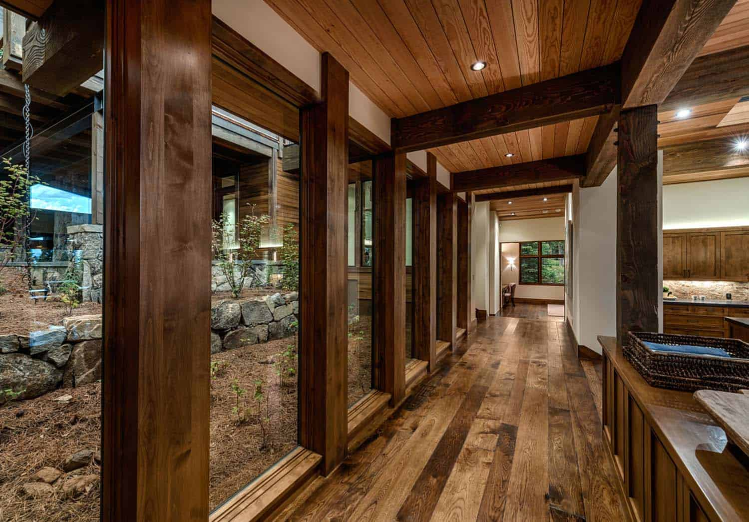 transitional-style-mountain-home-hall