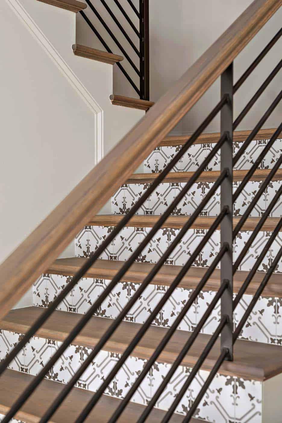 stair-detail-farmhouse
