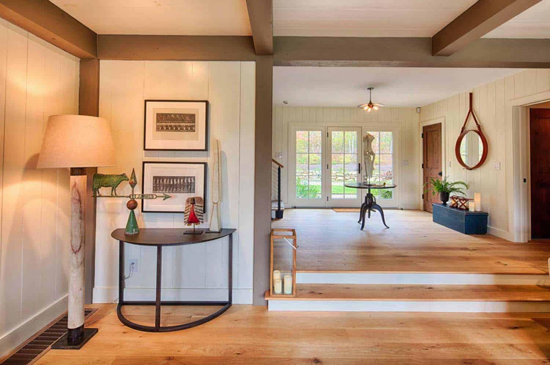 contemporary-barn-home-farmhouse-entry