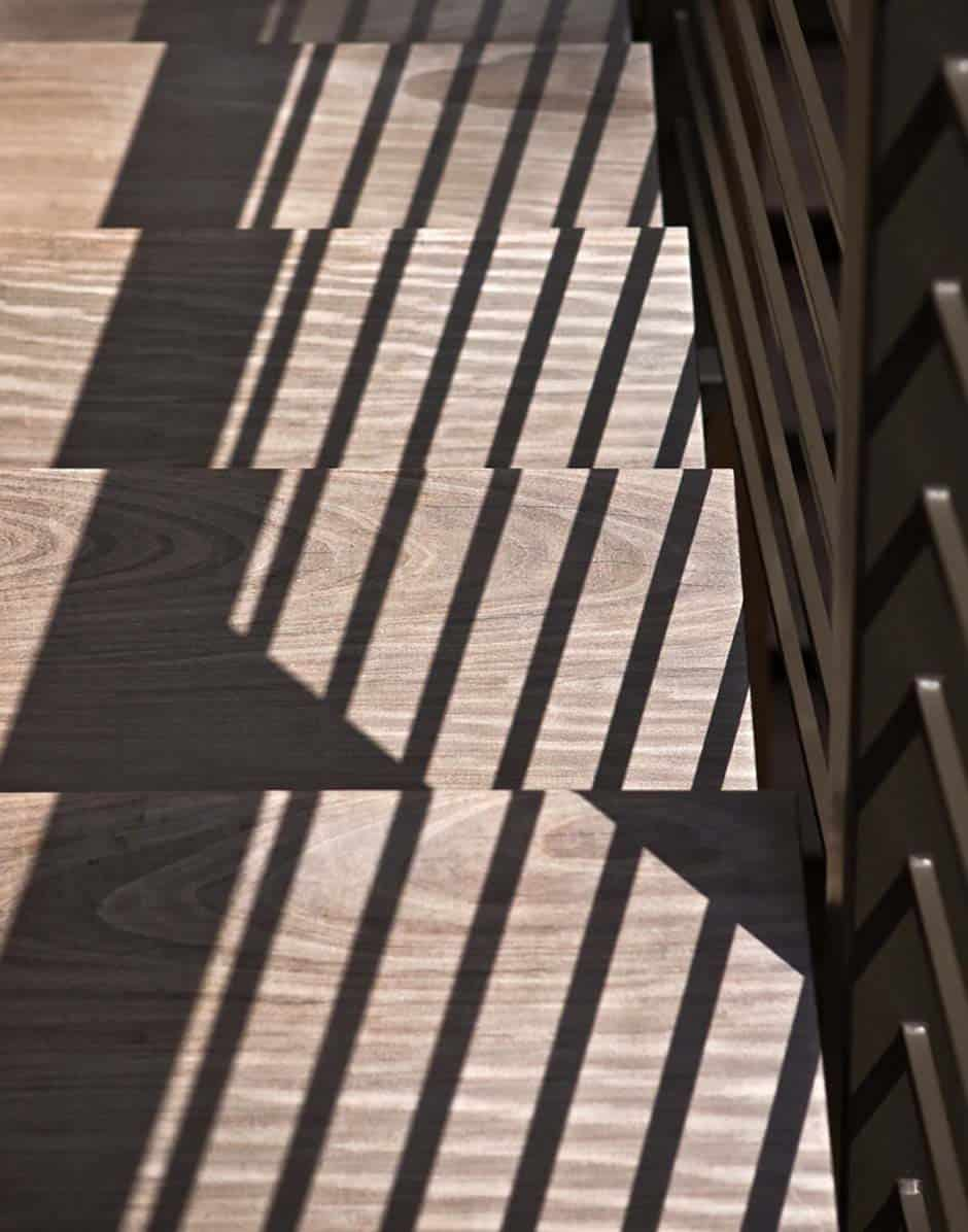 wood-staircase-tread