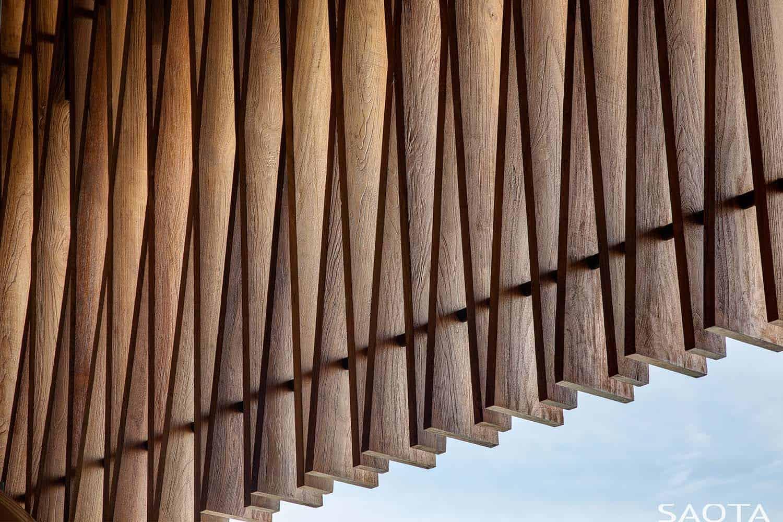 contemporary-house-exterior-detail