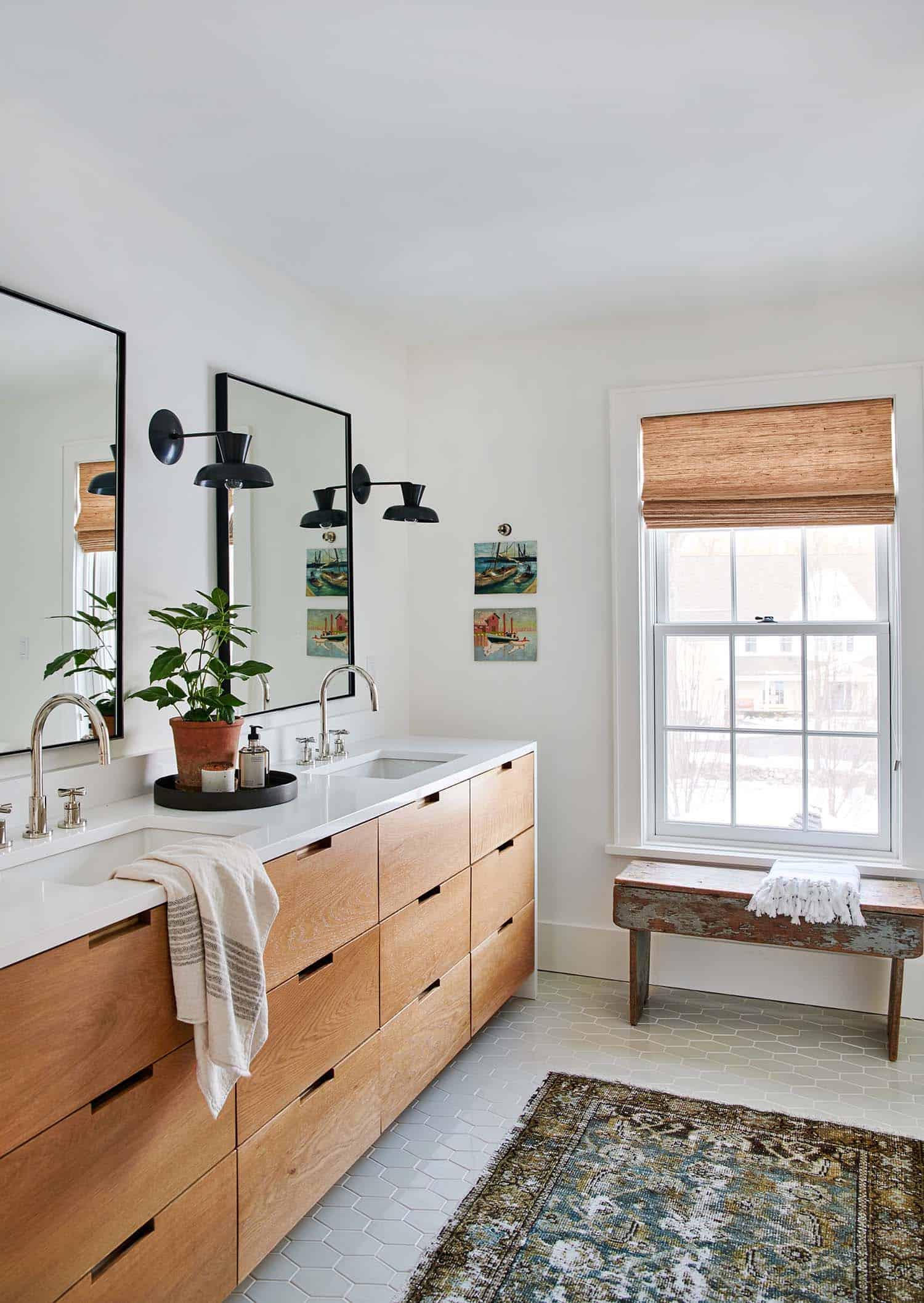 traditional-modern-bathroom