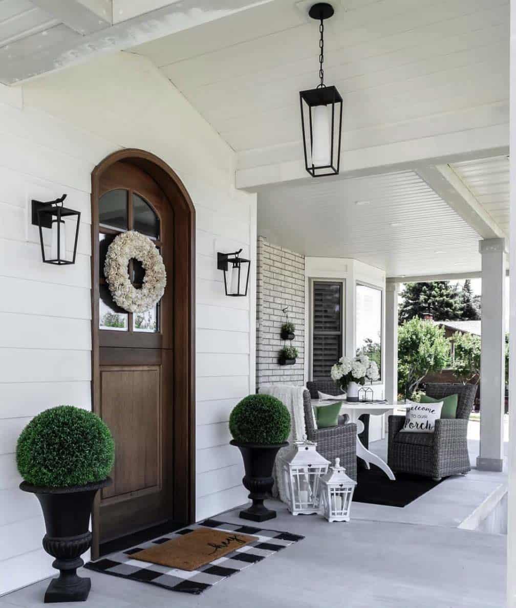 farmhouse-entryway-decorating-ideas