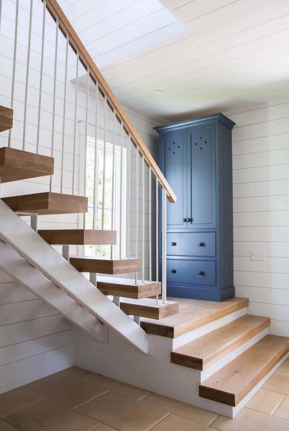 cottage-farmhouse-entry