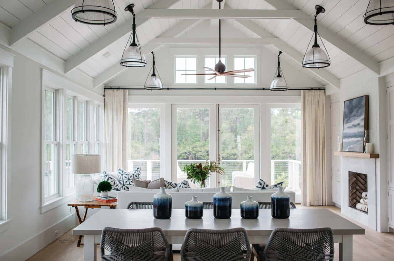 cottage-farmhouse-dining-room