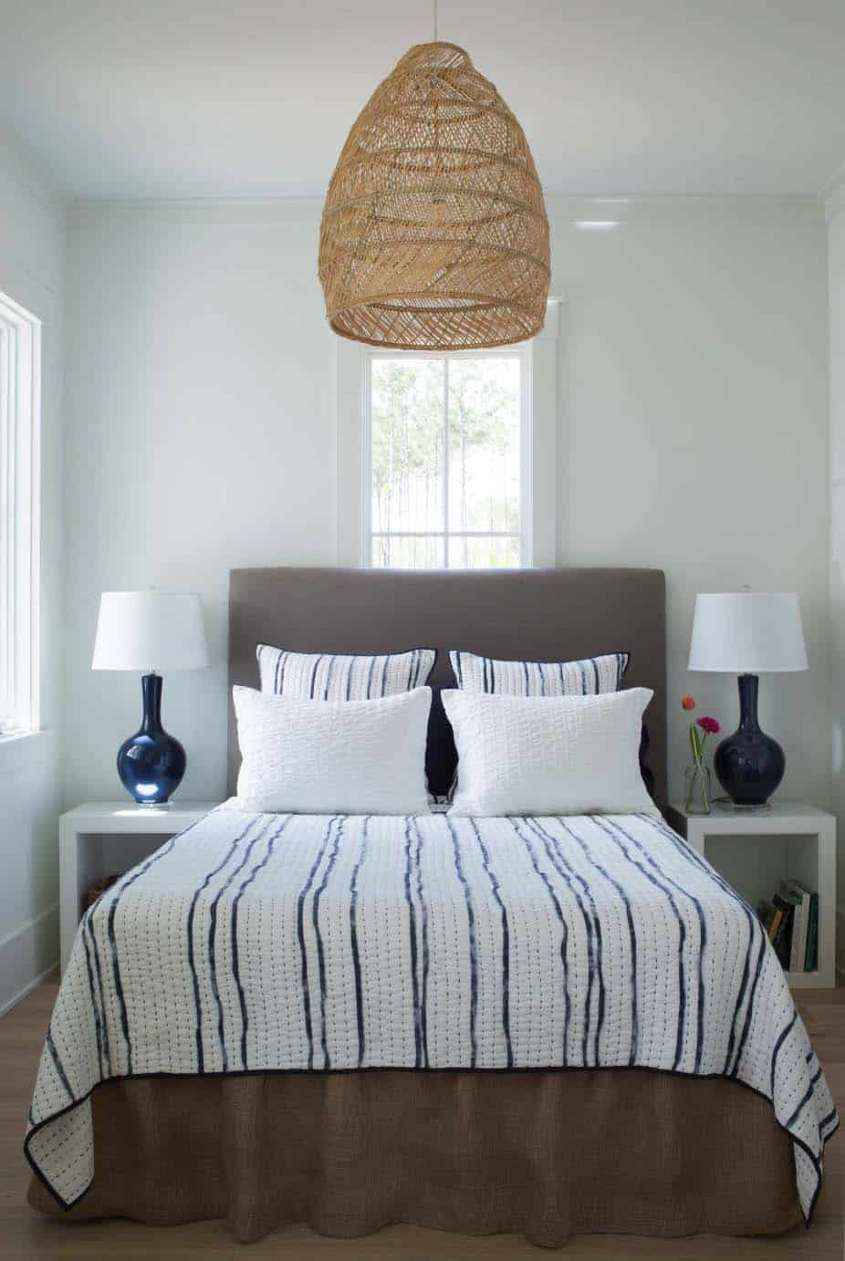 cottage-eclectic-bedroom