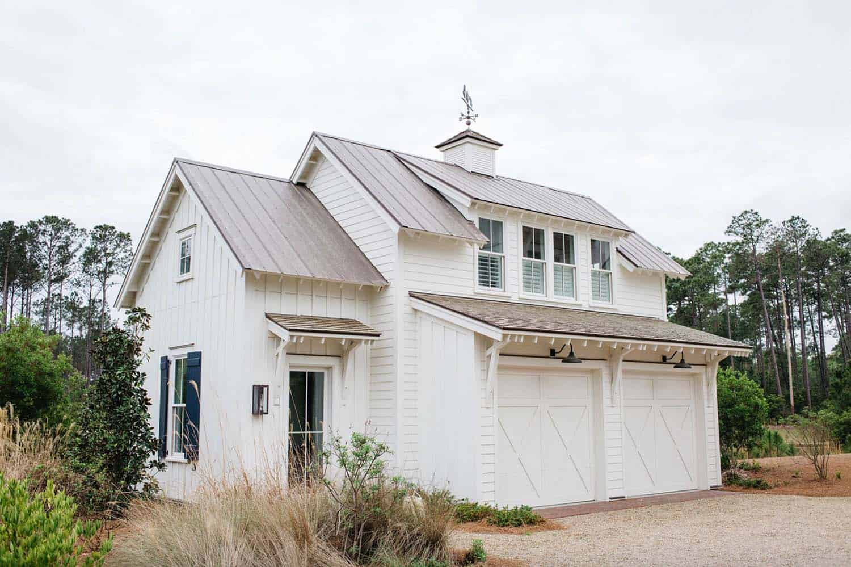 modern-farmhouse-carriage-house