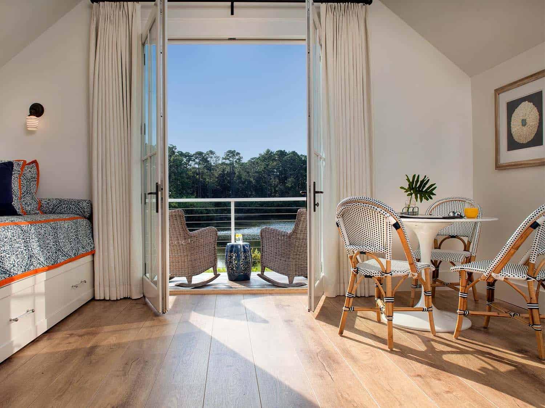 carriage-house-farmhouse-bedroom