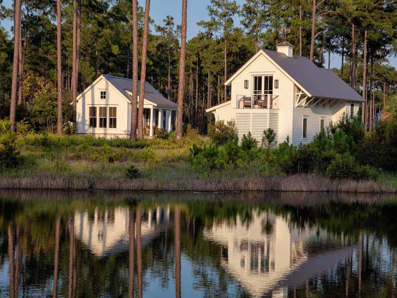 carriage-house-farmhouse-exterior
