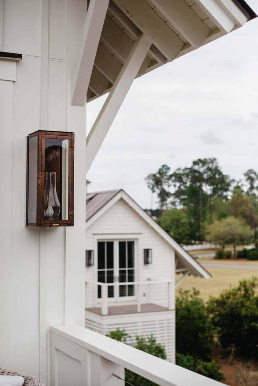cottage-farmhouse-exterior