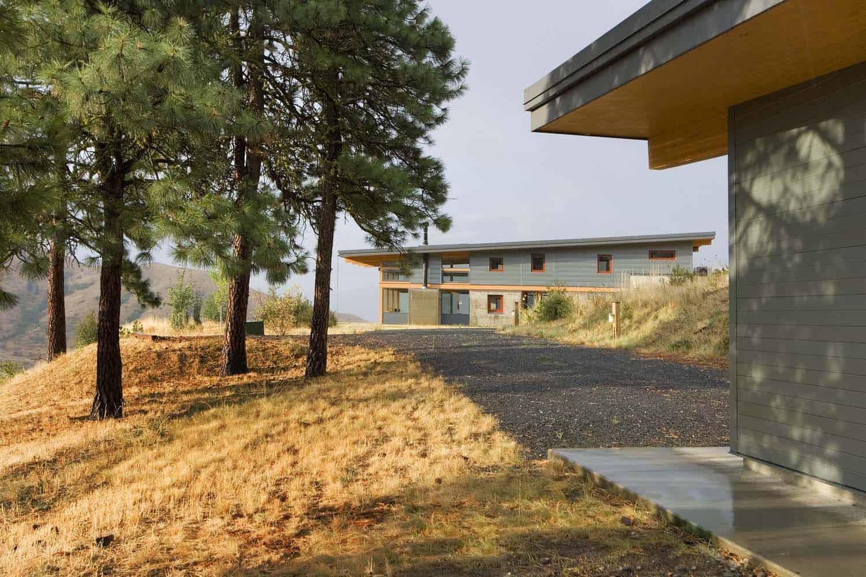 contemporary-cabin-landscape