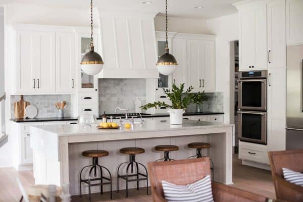 featured posts image for Modern craftsman home in Indiana with farmhouse-chic accents