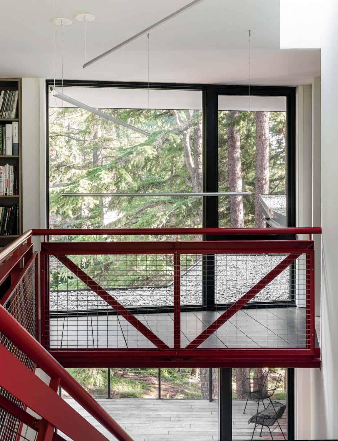 tree-house-modern-hall