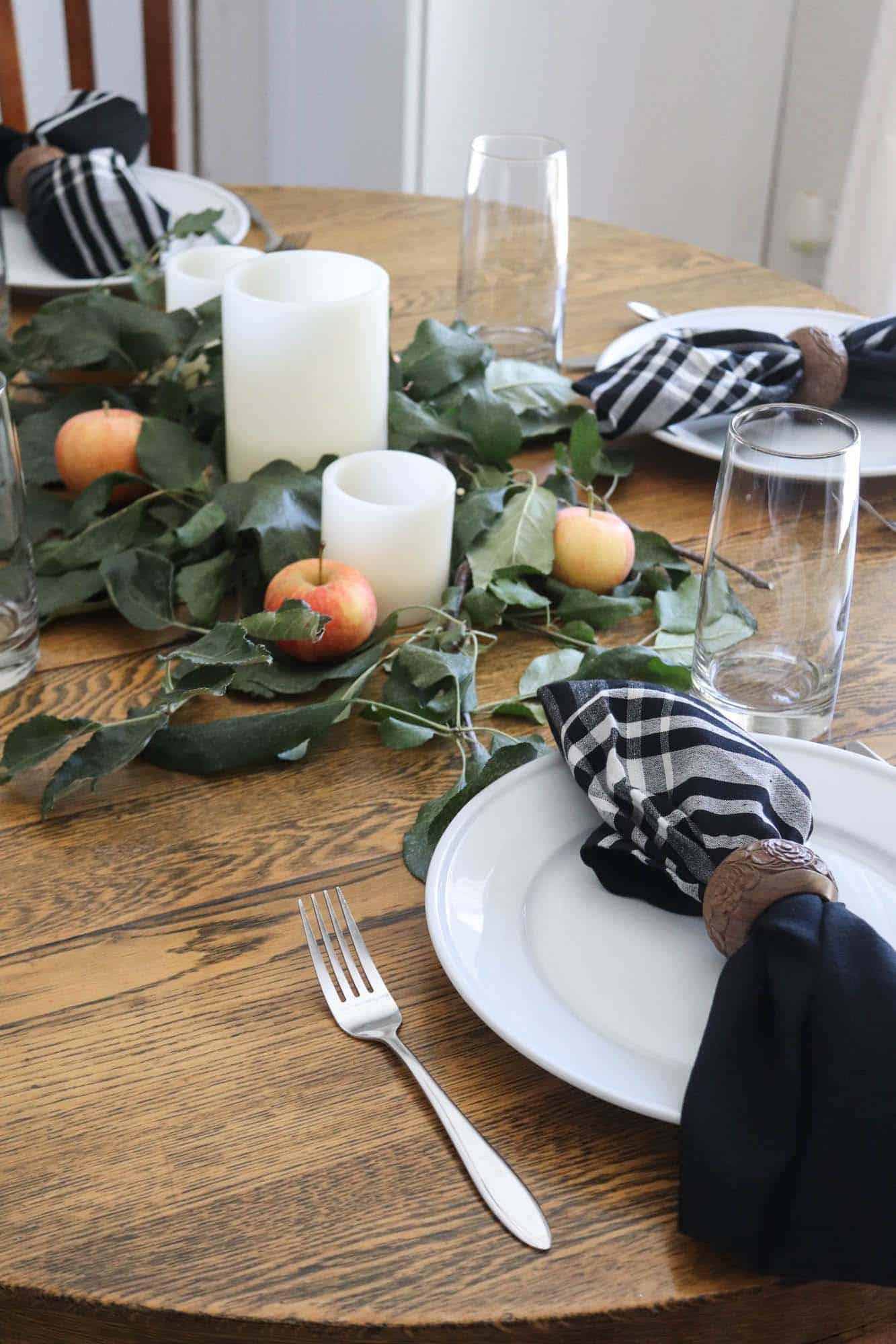 gorgeous-thanksgiving-centerpiece-idea-eucalyptus