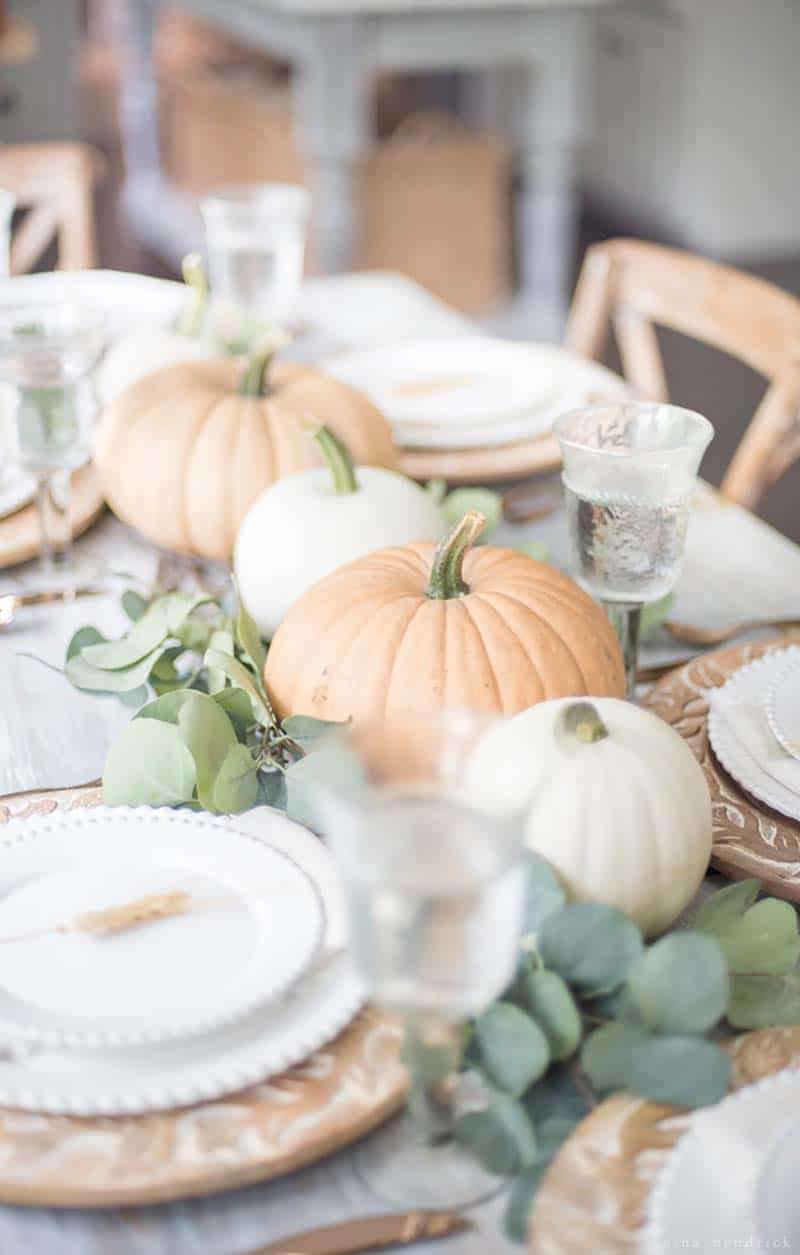 gorgeous-thanksgiving-centerpiece-idea-muted