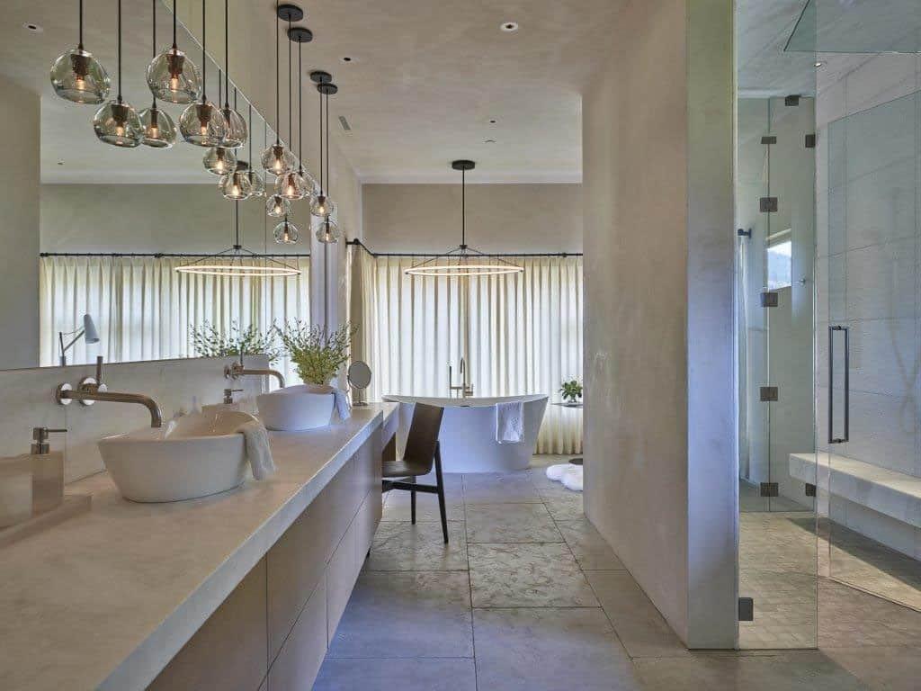 snake-river-canyon-residence-contemporary-bathroom