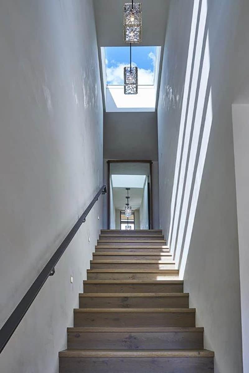 snake-river-canyon-residence-contemporary-staircase