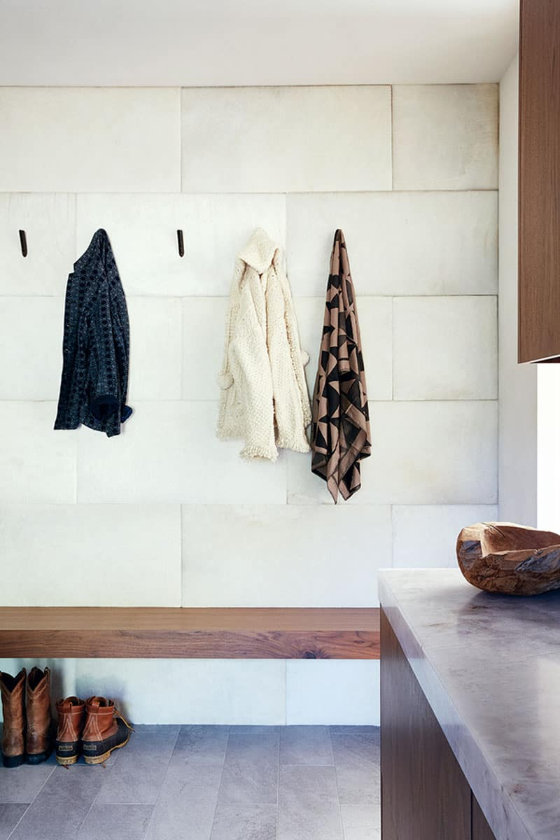 snake-river-canyon-residence-rustic-contemporary-mudroom