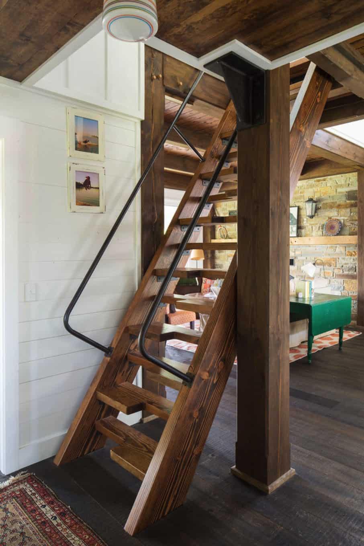 porch-cabin-staircase