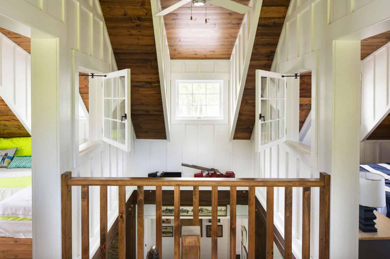 porch-cabin-hall