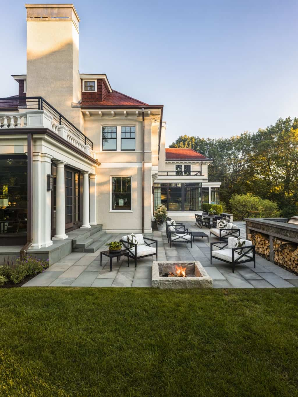 traditional-home-patio
