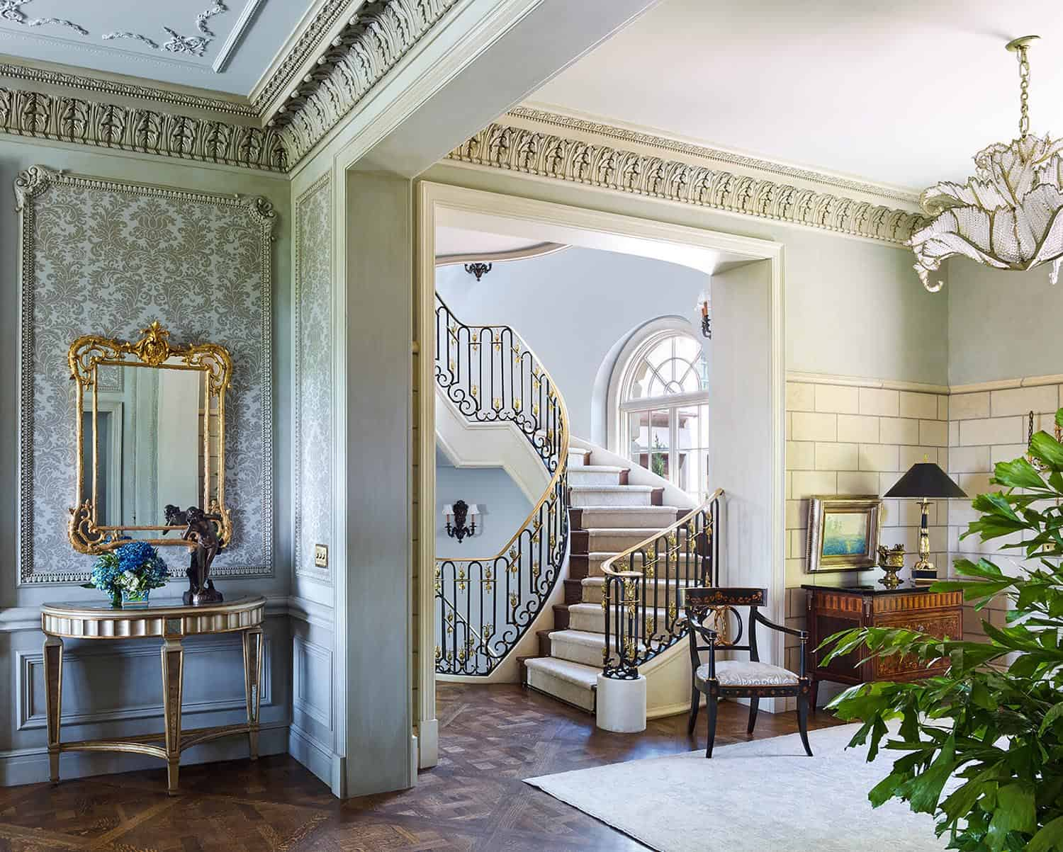 victorian-entry-staircase