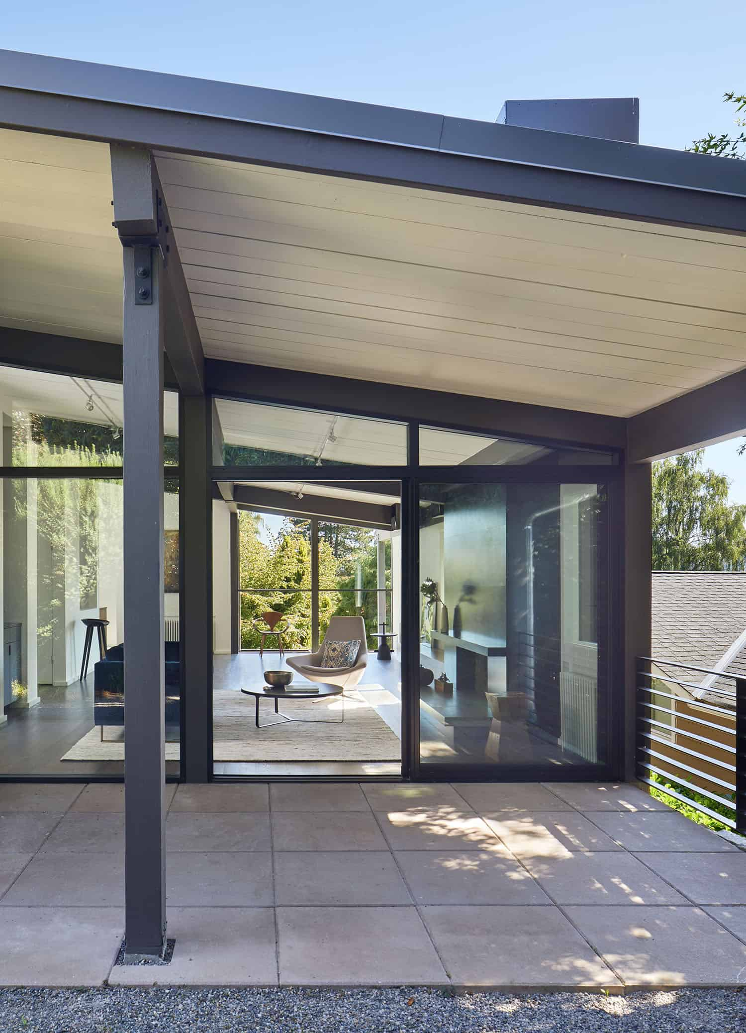 mid-century-home-exterior