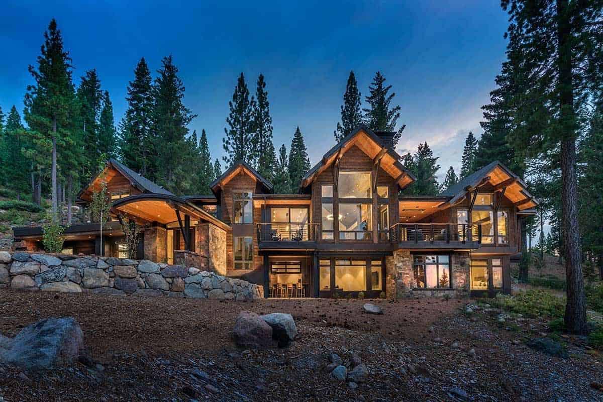 mountain-style-home-exterior