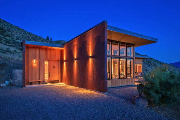 featured posts image for Midcentury modern cabin takes shelter in Washington's Methow Valley