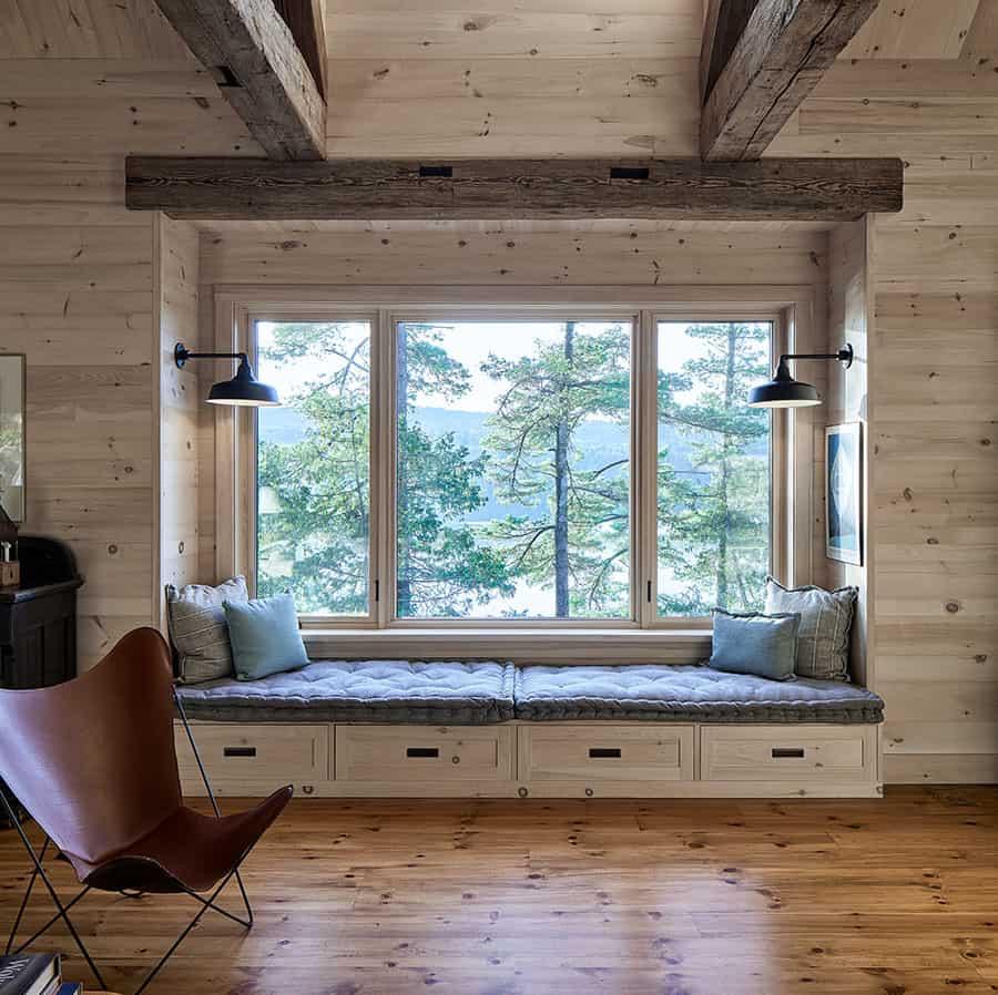 rustic-hall-window-seat