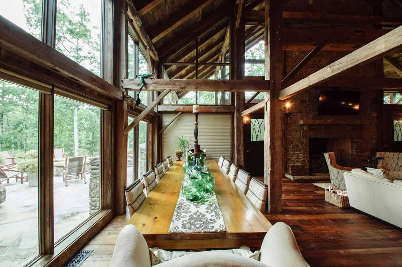 rustic-barn-house-dining-room
