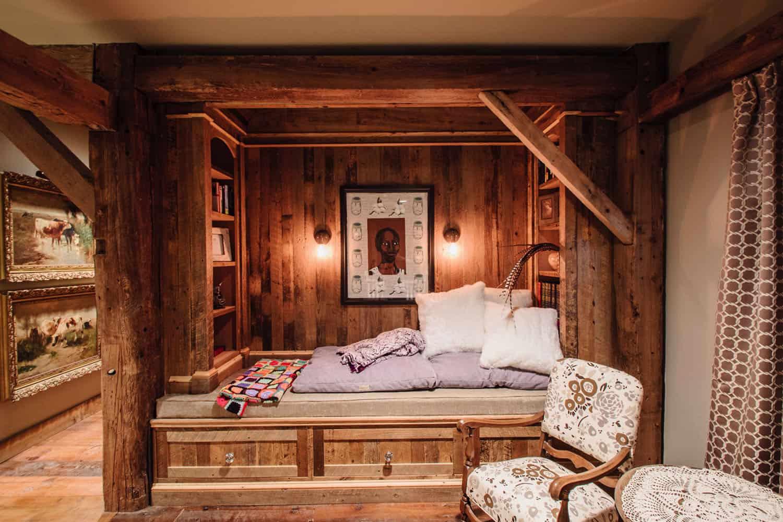reading-nook-rustic-bedroom