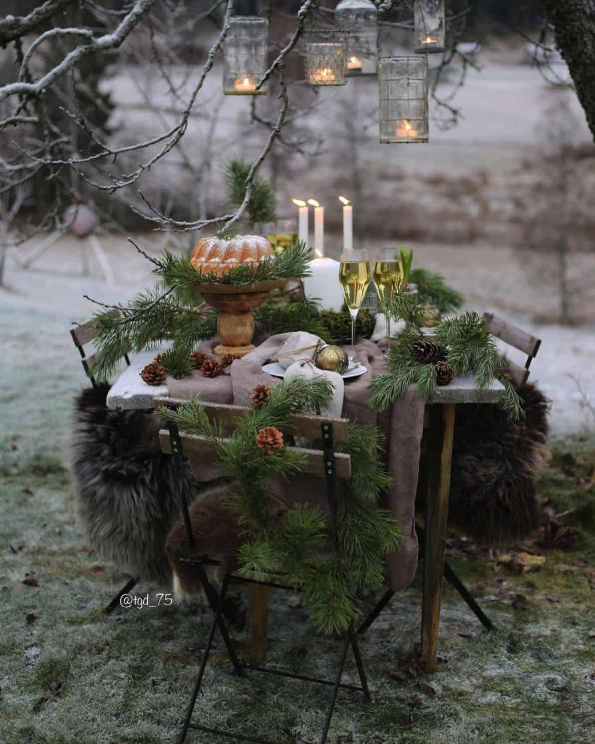 holiday-decor-ideas-outdoor-dining-table
