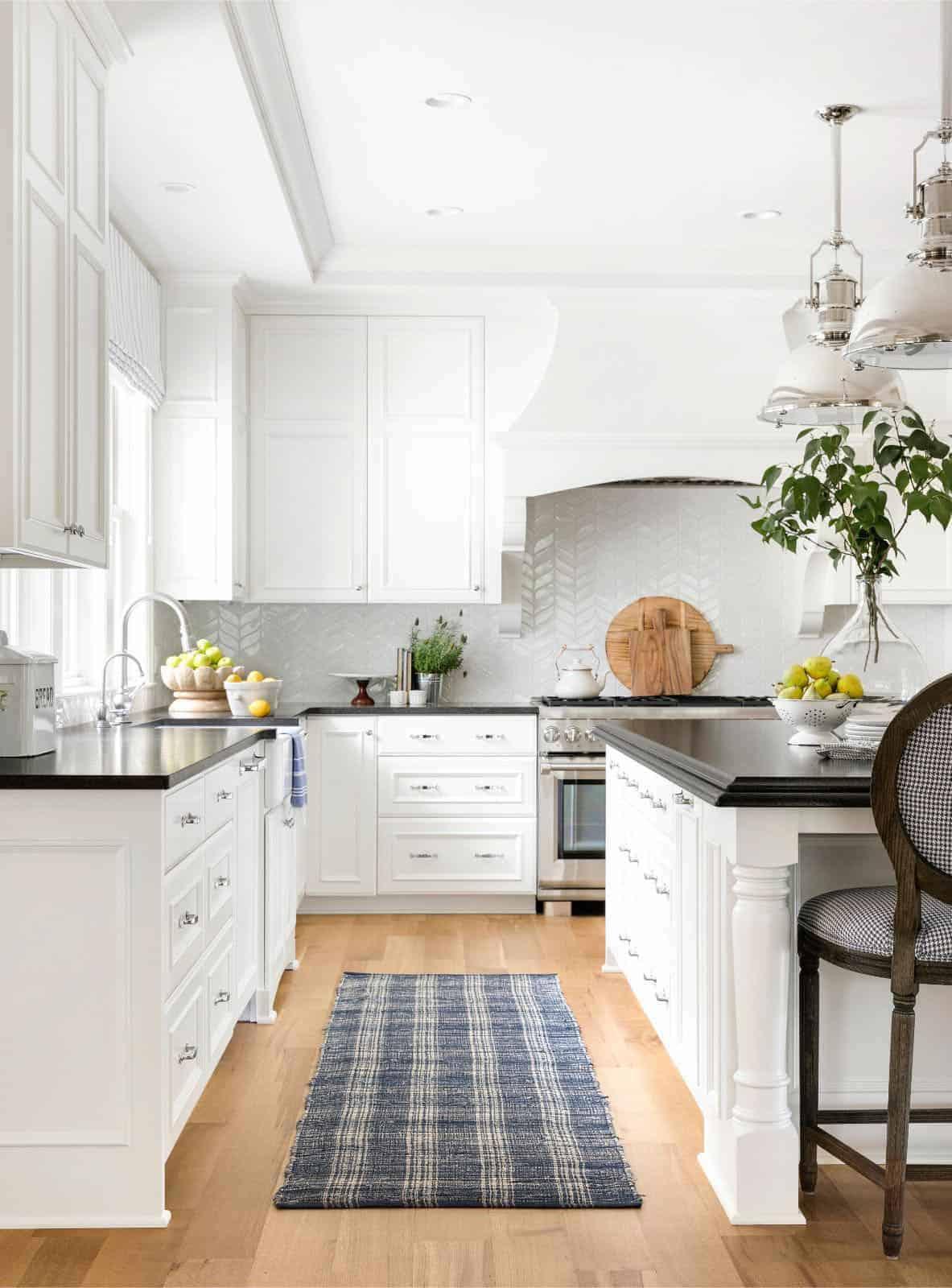 american-cottage-style-kitchen