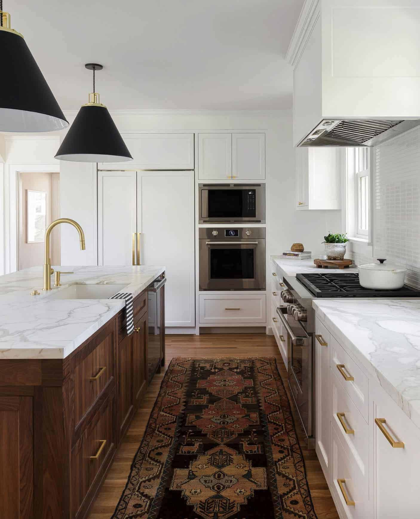 colonial-style-kitchen