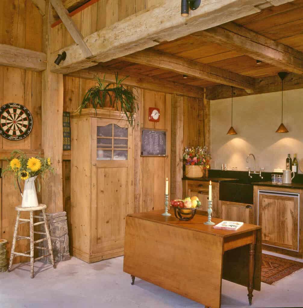 guest-barn-farmhouse-kitchen