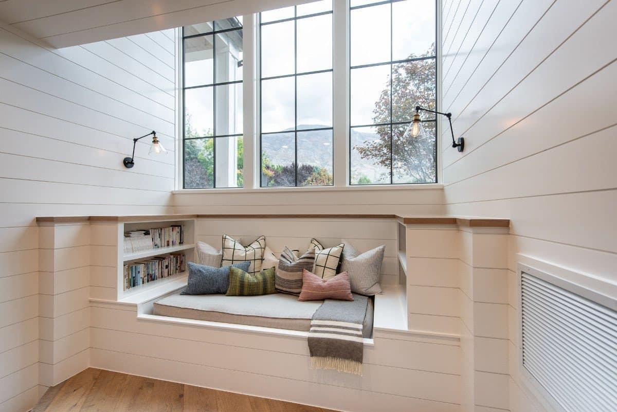 modern-farmhouse-window-seat