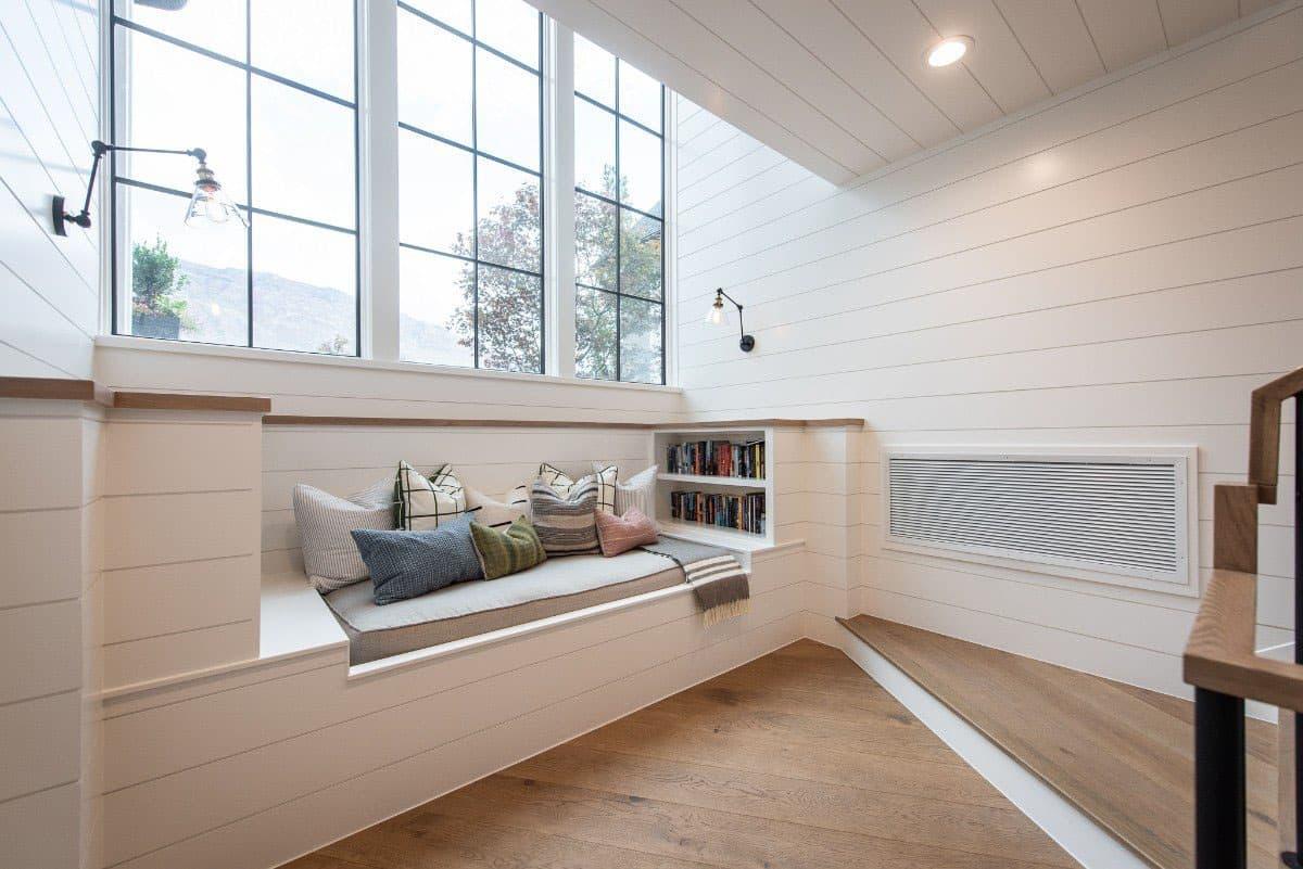 modern-farmhouse-reading-nook
