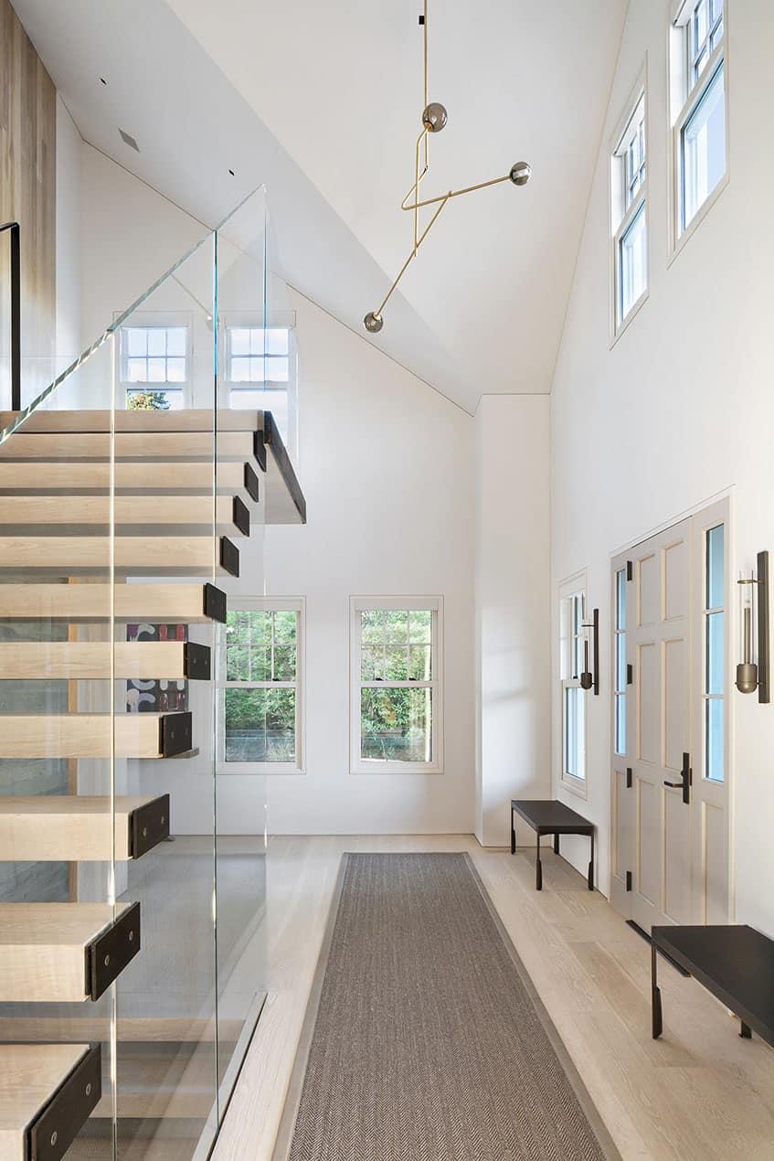 beach-house-entry-staircase