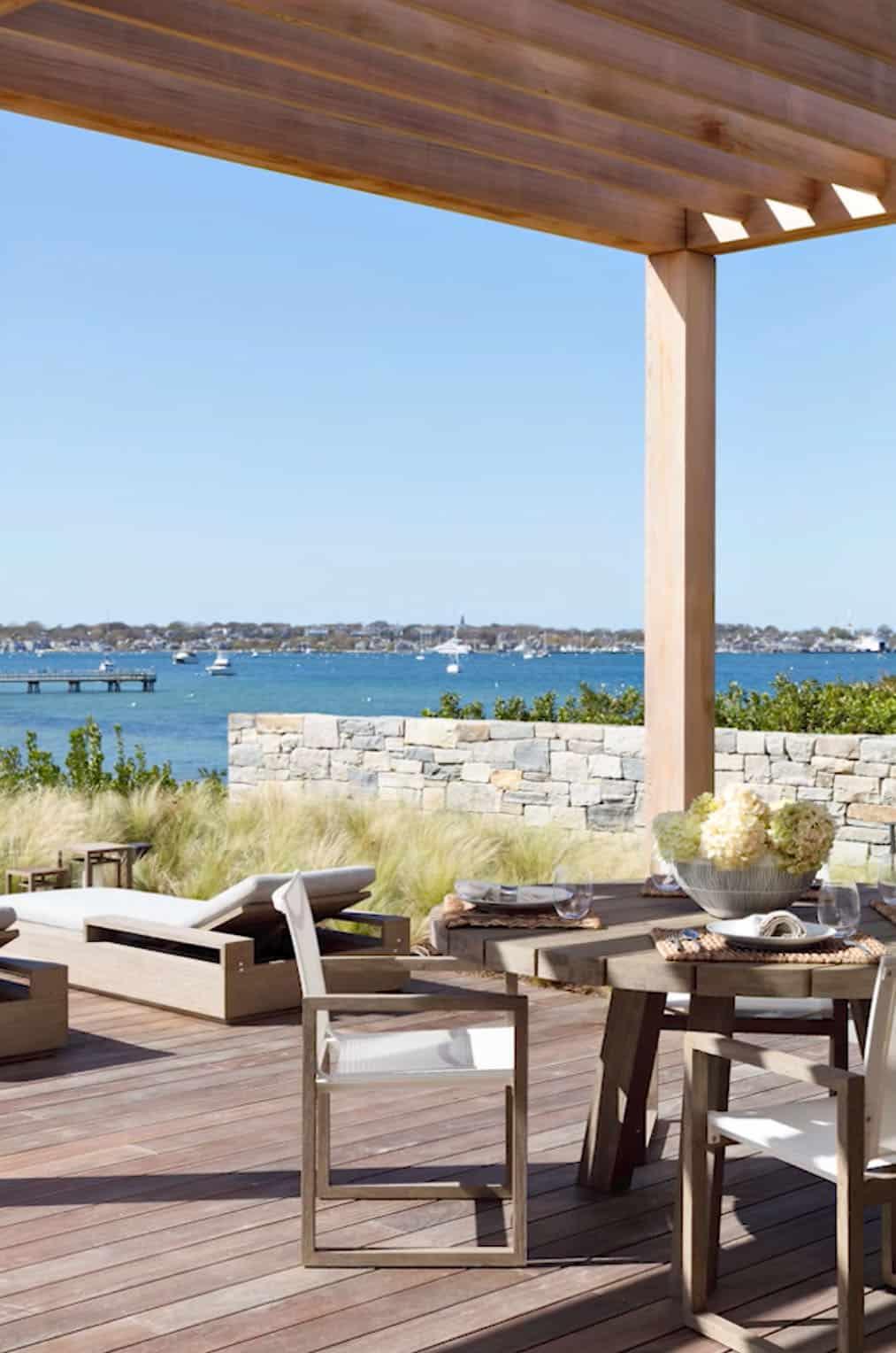 modern-beach-house-patio