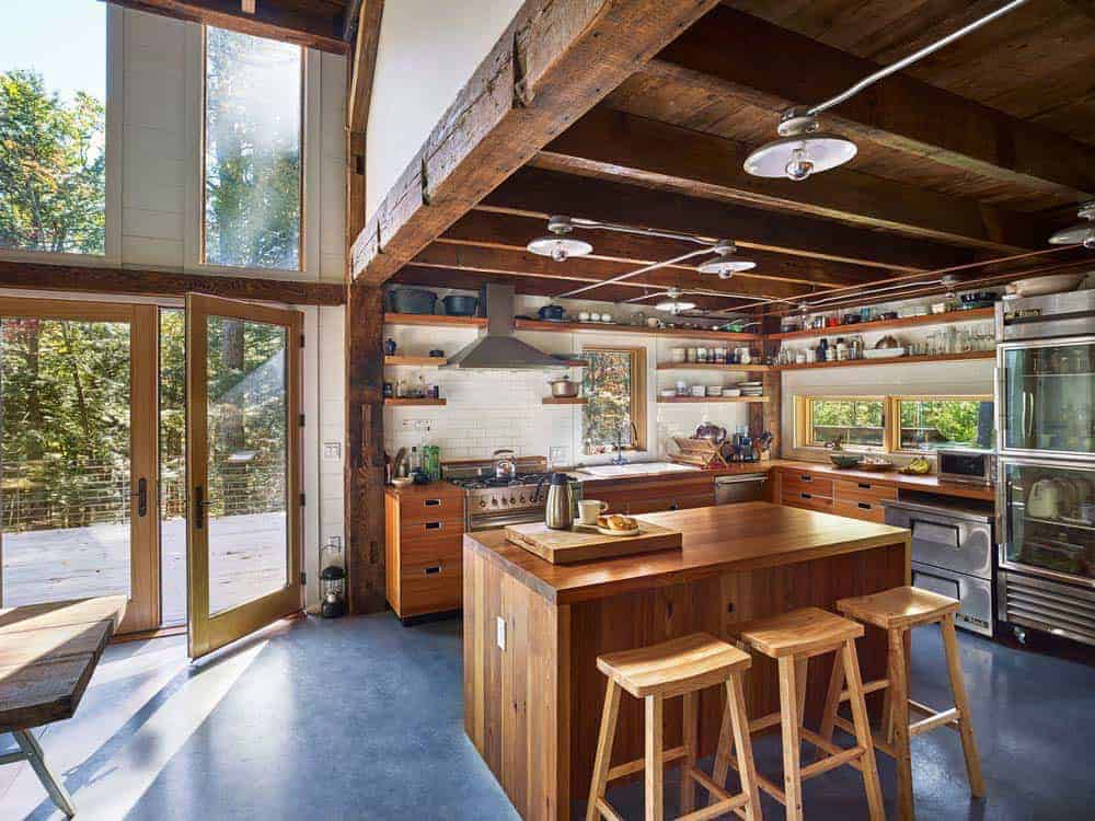 rustic-bunkhouse-kitchen