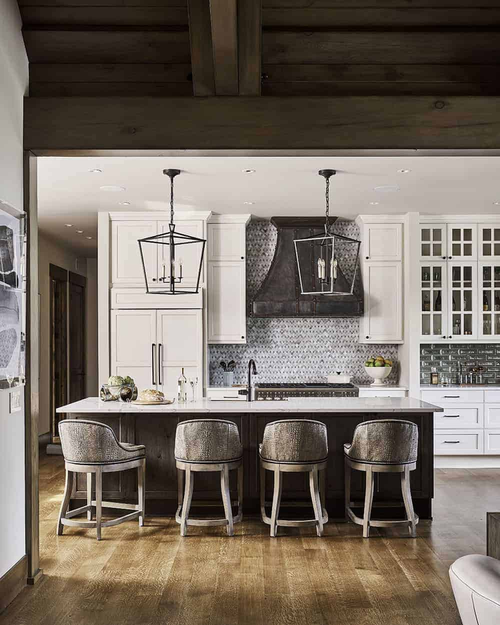 wine-country-lodge-style-kitchen